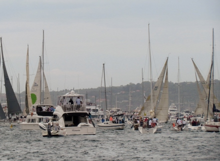 Sydney to Hobart yachts and Spectator Fleet